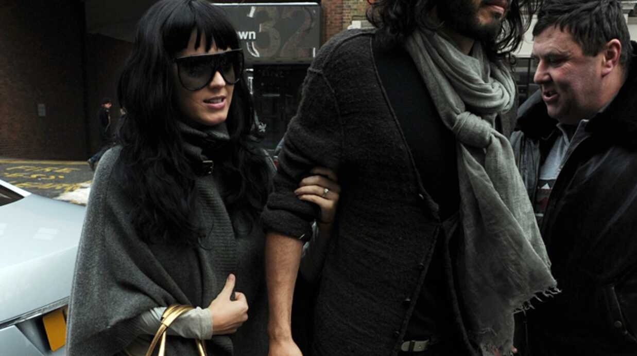PHOTOS Katy Perry dévoile sa bague de  fiançailles