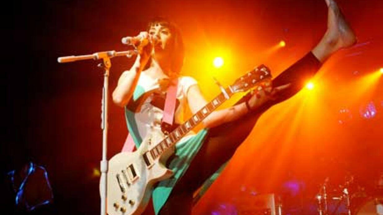 PHOTOS Katy Perry est très souple sur scène