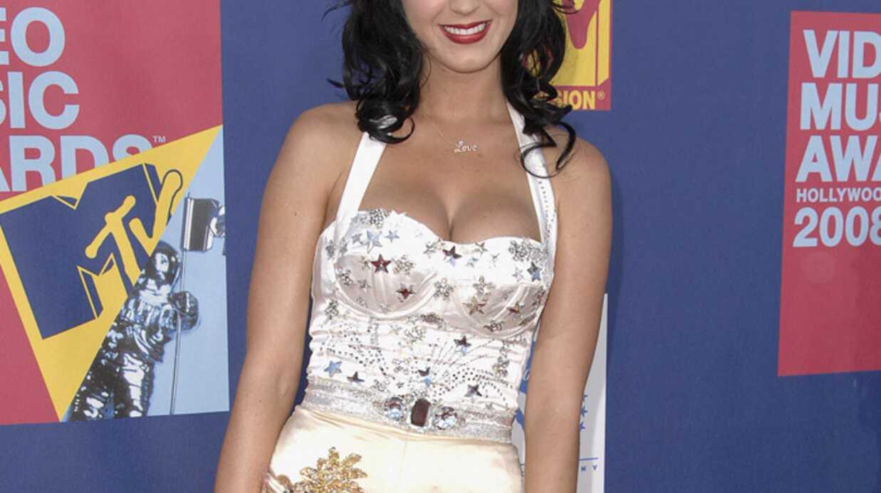 PHOTOS – Katy Perry: ses tenues les plus extravagantes