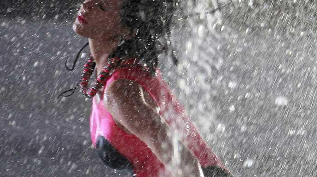 PHOTOS Katy Perry humide et sexy dans son nouveau clip