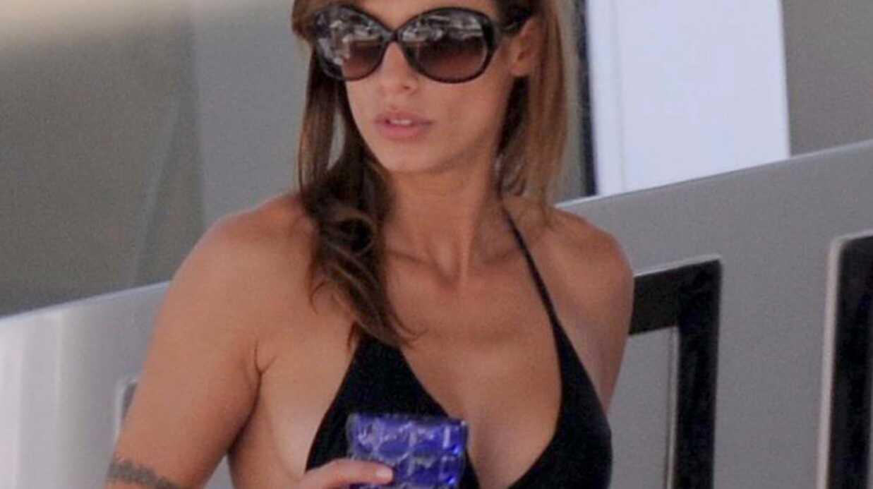 PHOTOS Elisabetta Canalis super sexy dans son petit bikini