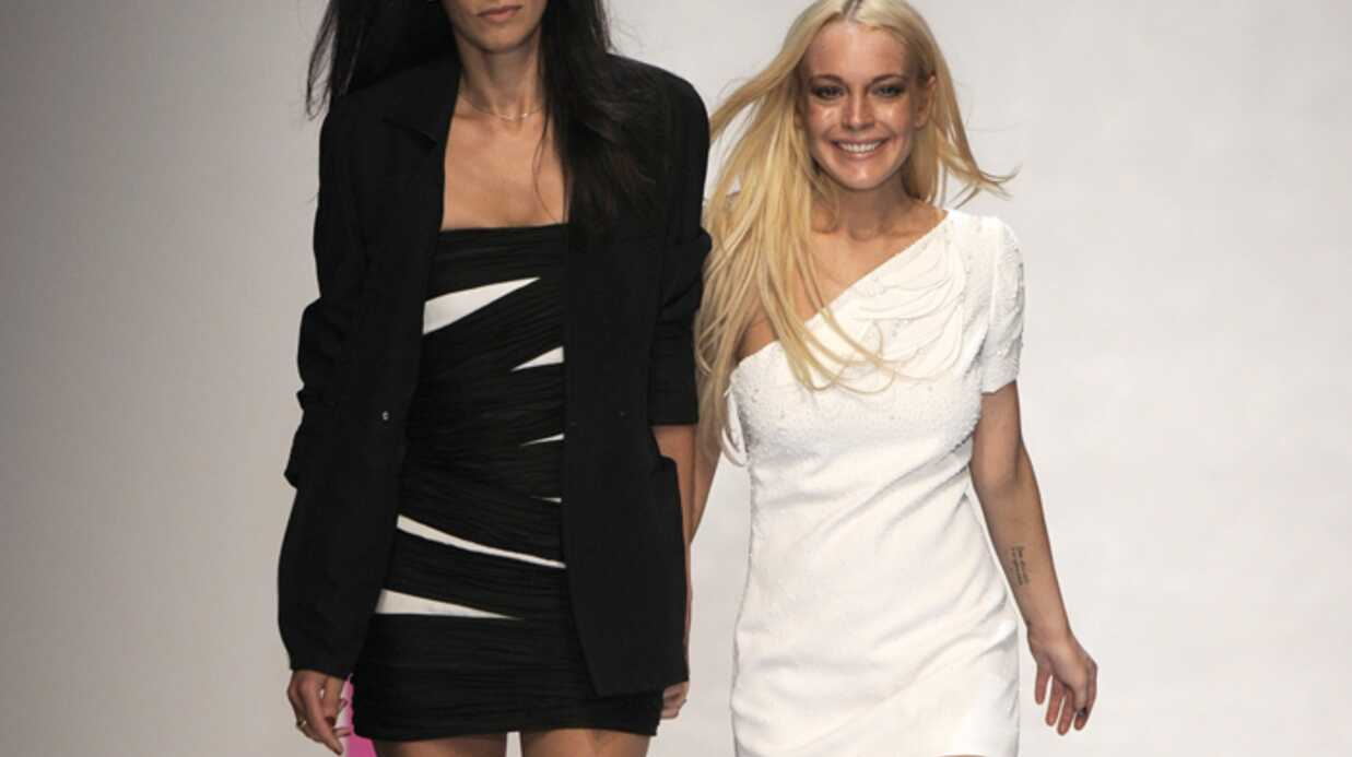PHOTOS Fashion week Lind­say Lohan défile pour Ungaro