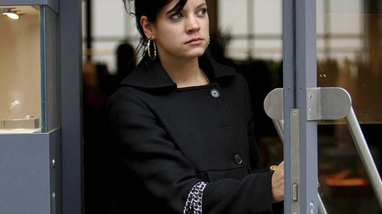 Lily Allen tente d'oublier son clash avec Elton John