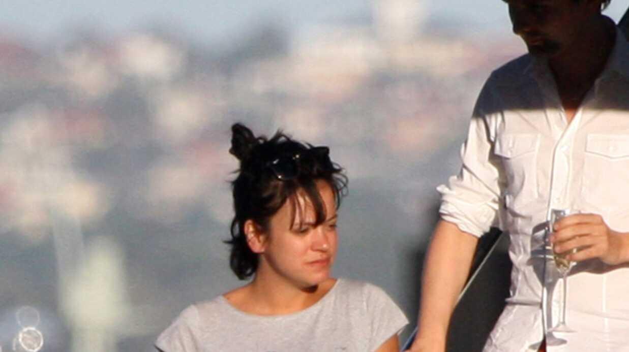 PHOTOS Lily Allen décompresse dans les rues de Sydney