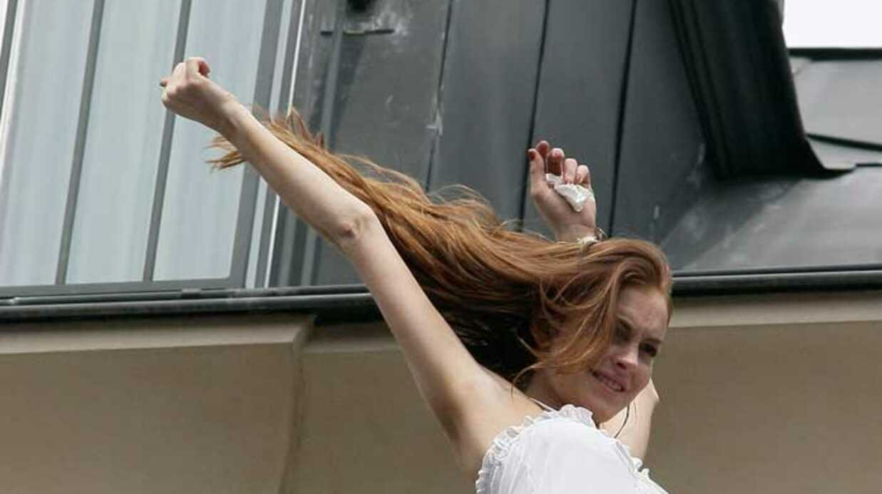 PHOTOS Lindsay Lohan est à Paris avec sa sœur Ali