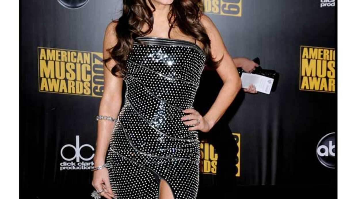 LOOK Fergie, Shakira et Alicia Keys: sexy pour les AMA