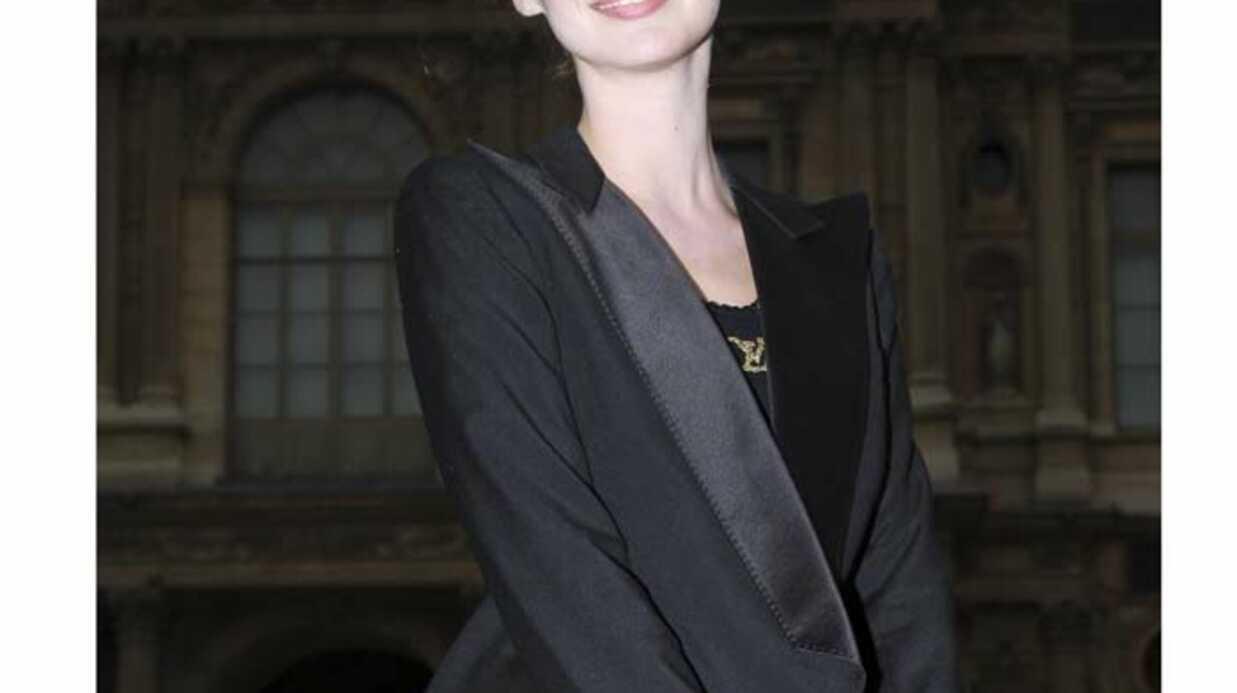 PHOTOS Louise Bourgoin a fait son show pour Louis Vuitton