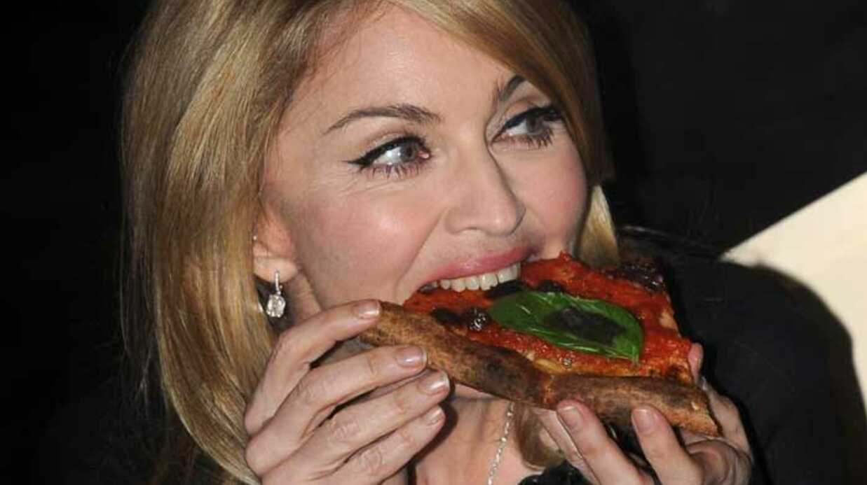 PHOTOS Madonna mange une pizza avec David Letter­mann