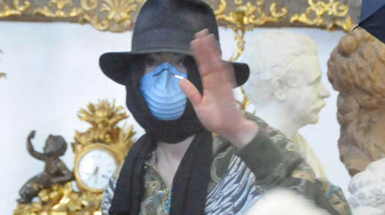 PHOTOS: Michael Jackson, l'acheteur masqué
