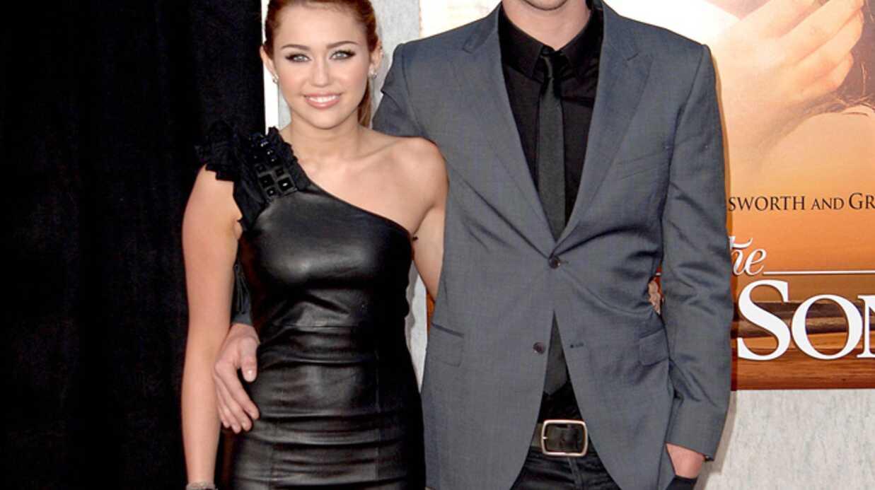 PHOTOS Miley Cyrus: trop jeune pour s'habiller aussi sexy
