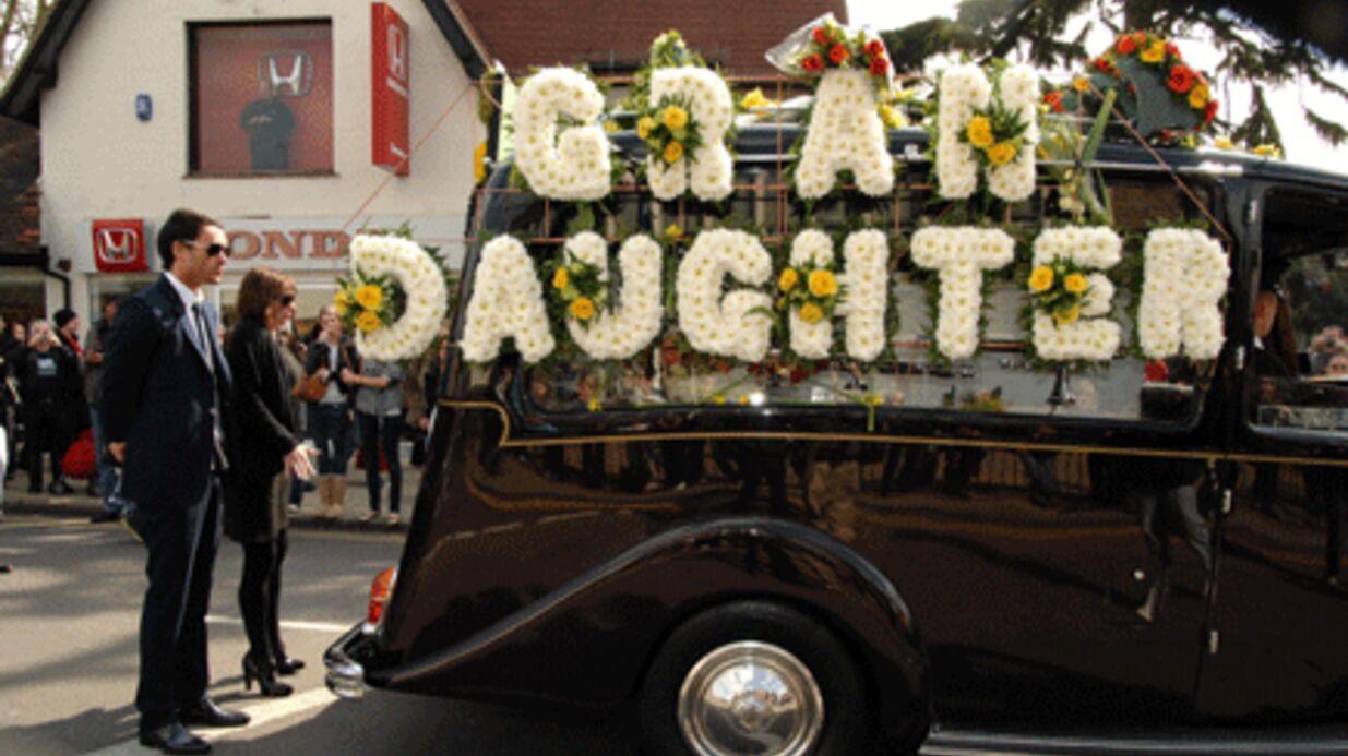 PHOTOS Obsèques de Jade Goody en présence de milliers de fans