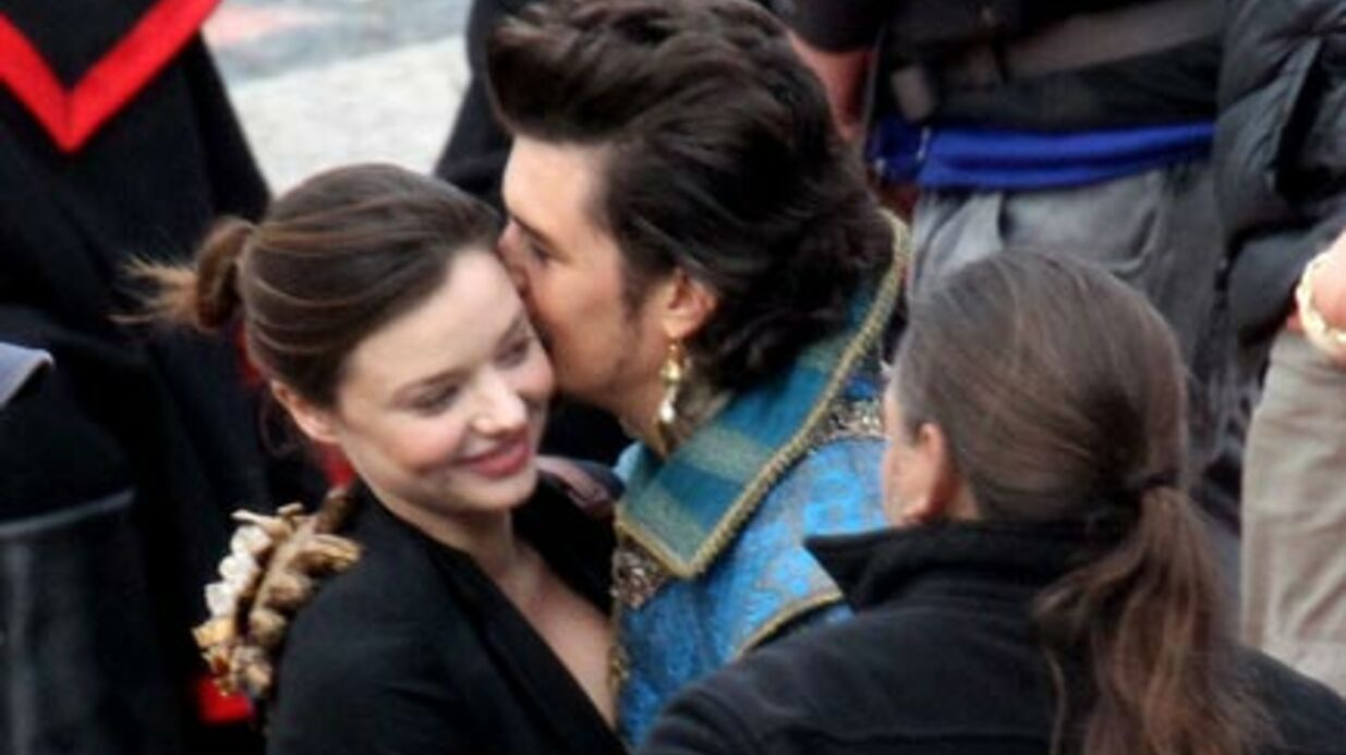 PHOTOS Orlando Bloom et Miranda Kerr très amou­reux