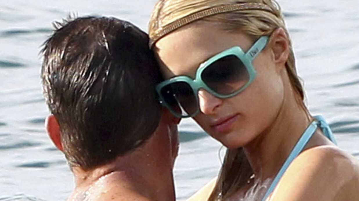 PHOTOS Paris Hilton et son mec s'éclatent à la plage