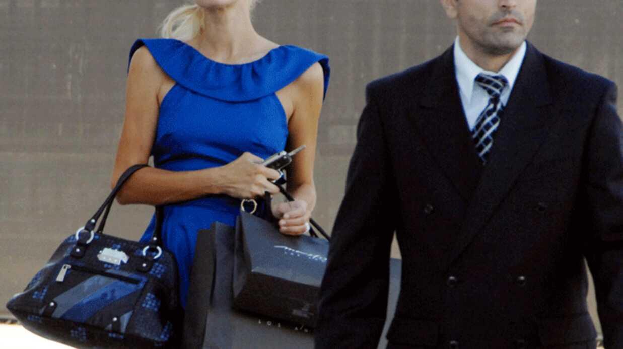 Paris Hilton très sexy en bleu