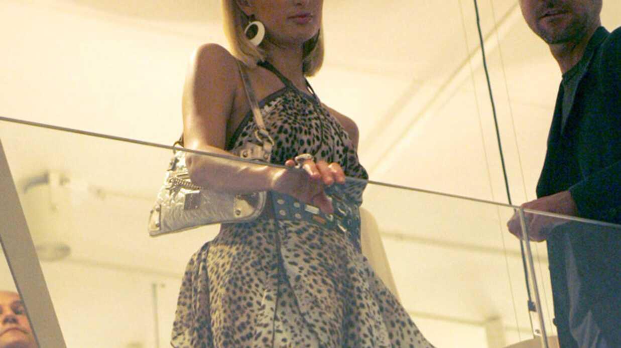 Paris Hilton fait les boutiques à Copenhague