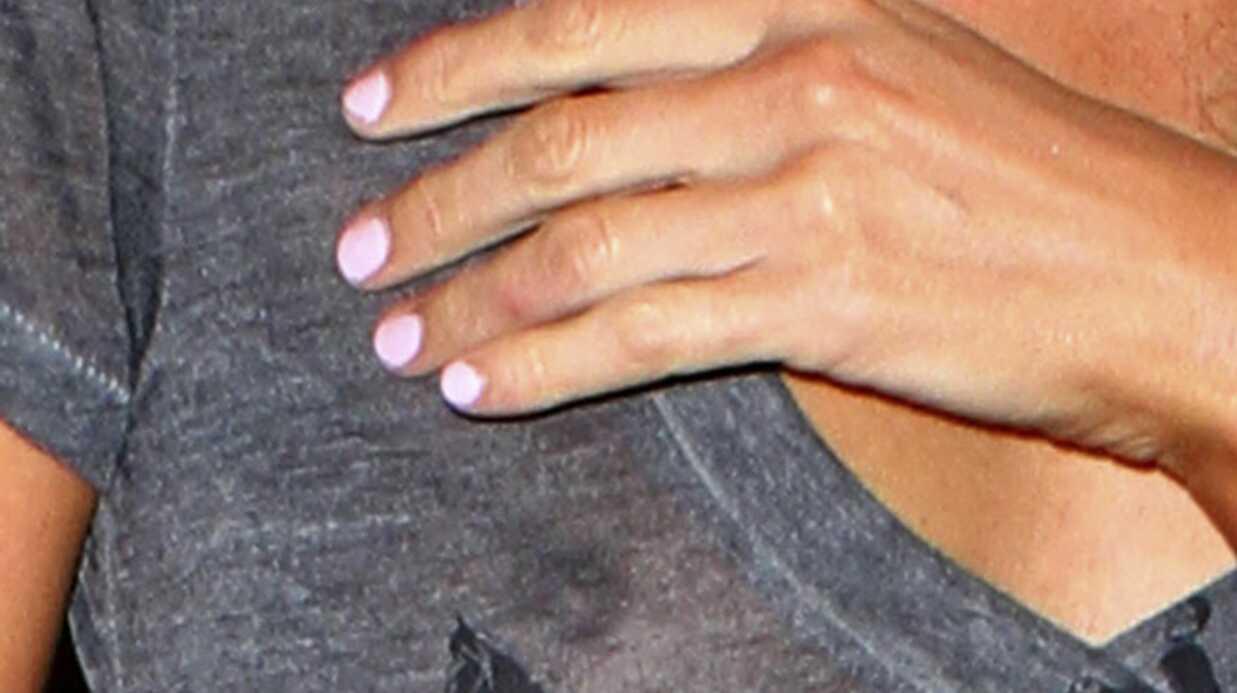 PHOTOS Paris Hilton montre ses seins