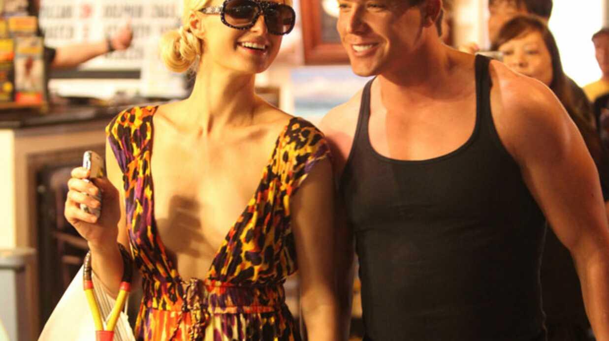 PHOTOS Paris Hilton s'affiche avec son boyfriend à Hawaï