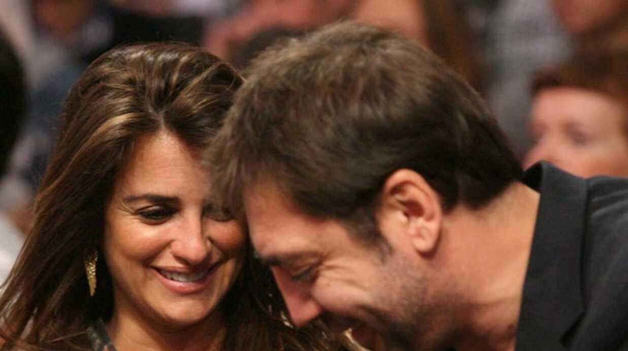 PHOTOS Penélope Cruz et Javier Bardem: bisou en plein match