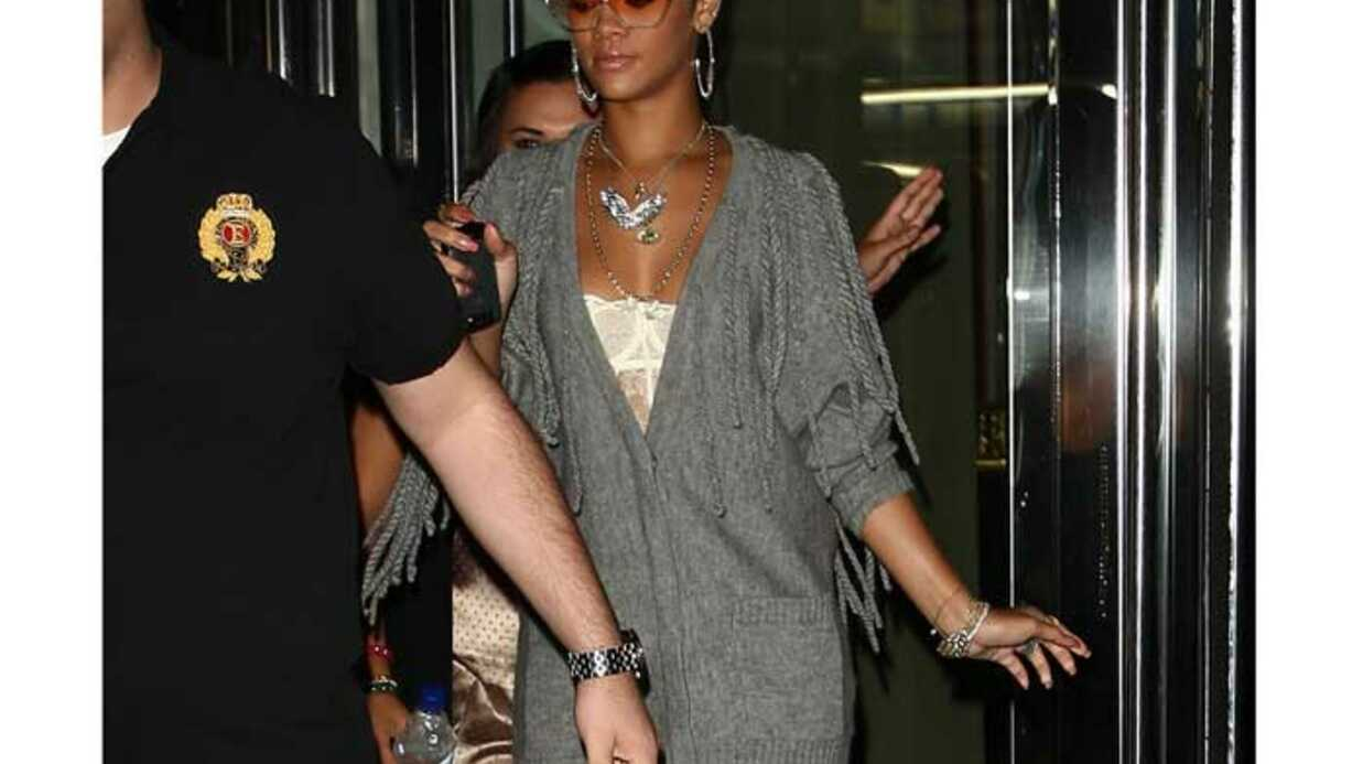 LOOK Rihanna associe avec style lingerie fine et lainage