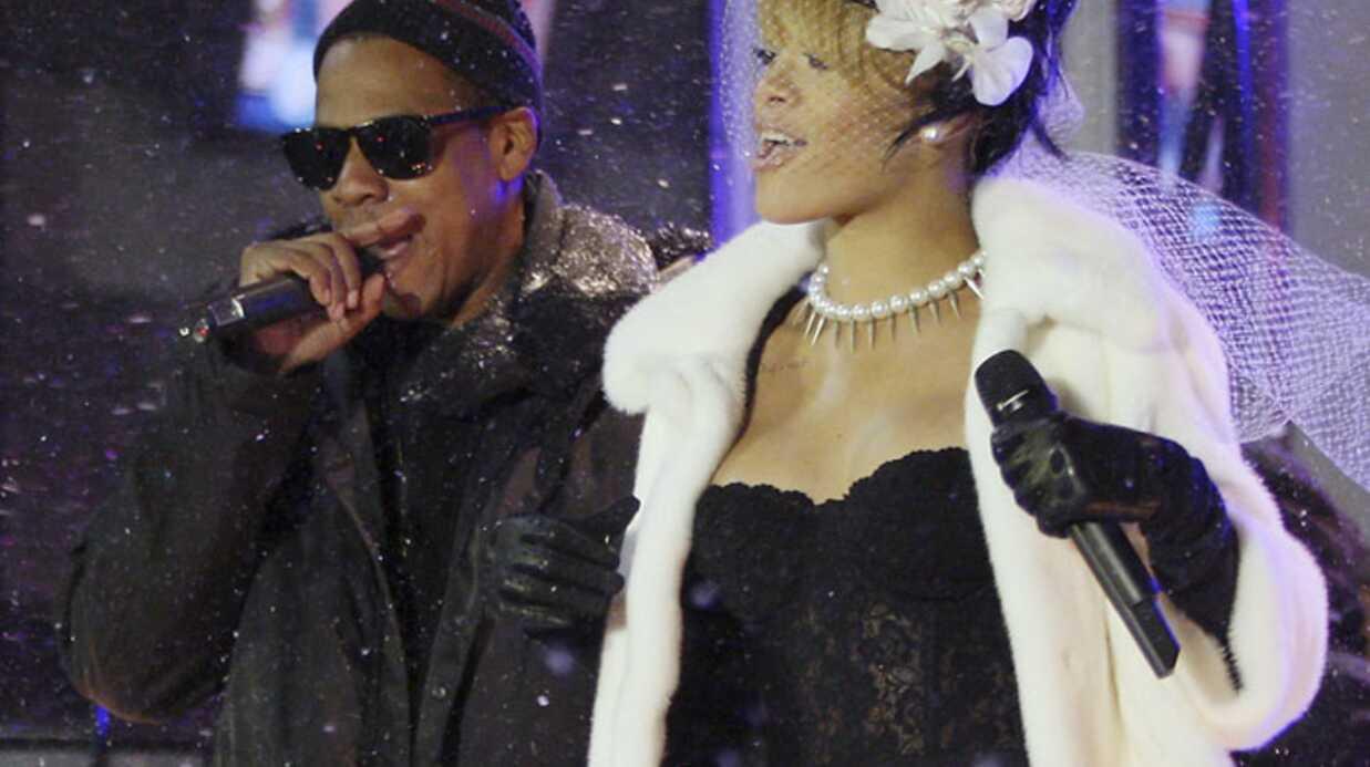 PHOTOS Rihanna presque topless sous la neige