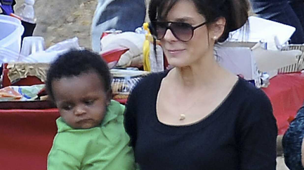 PHOTOS Sandra Bullock fête Noël avec son bébé Louis
