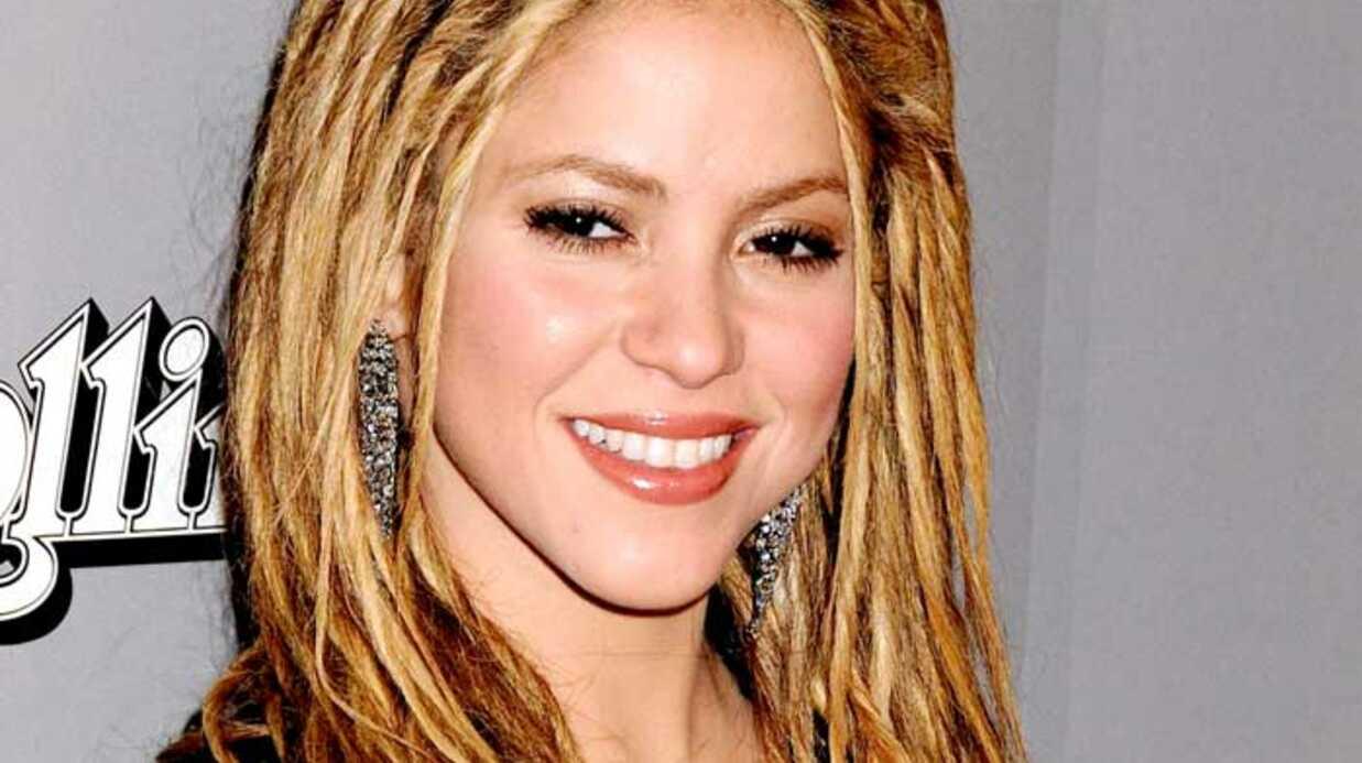 LOOK Shakira moins glamour avec ses dreadlocks