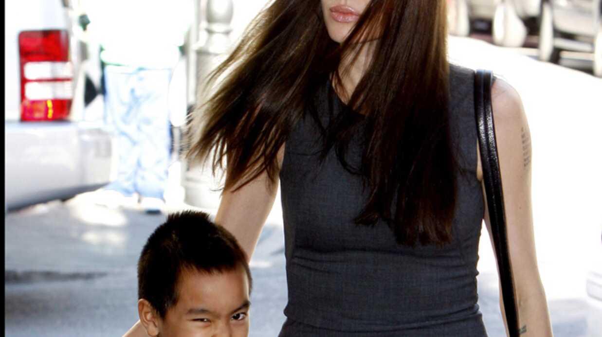PHOTOS – Angelina Jolie: virée shopping avec Maddox