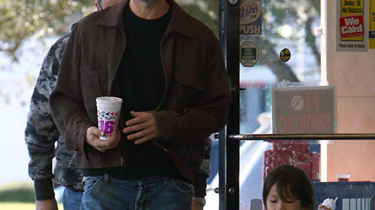 Brad Pitt So sexy en super papa!