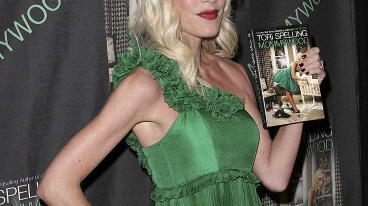 PHOTOS Tori Spelling maigre pour le lancement de son livre