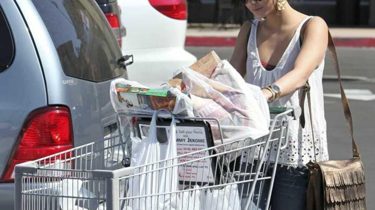 Pendant que Zac Efron emballe, Vanessa Hudgens déballe…