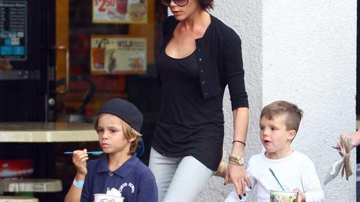 PHOTOS Victoria Beckham emmène ses fils prendre un goûter