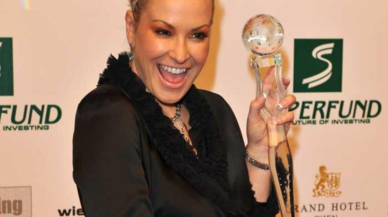 PHOTOS Monica Bellucci et Anastacia recoivent un trophée