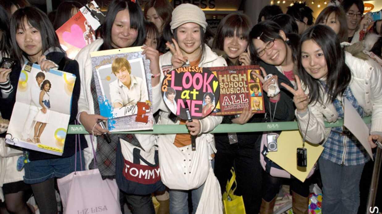 PHOTOS Zac Efron et Vanessa Hudgens: une émeute au Japon