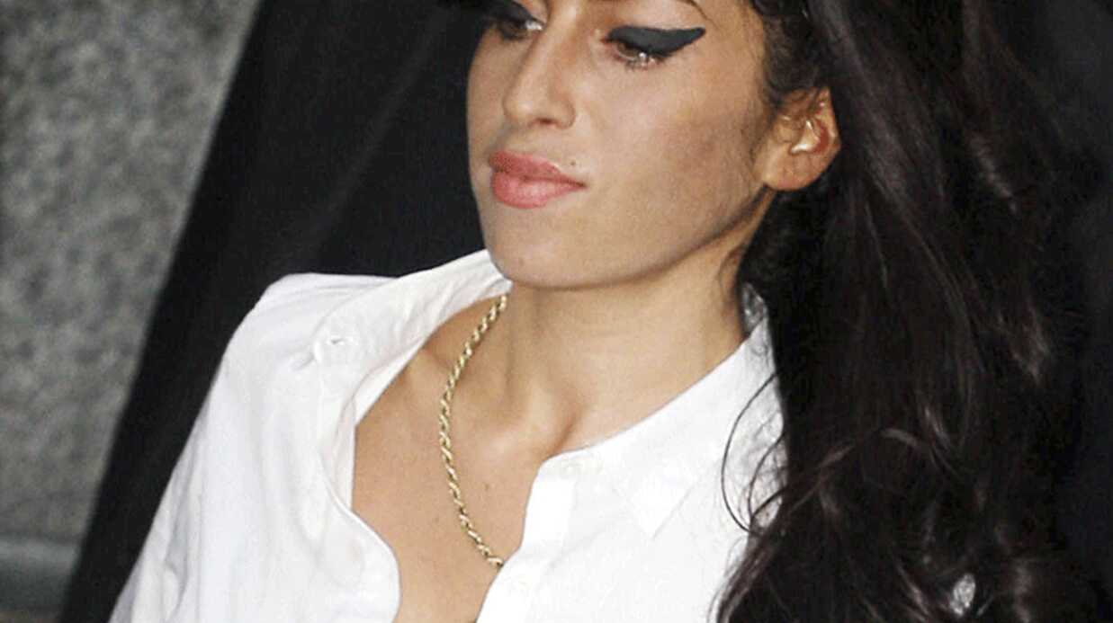 Amy Winehouse invite Blake Fielder Civil en Jamaïque