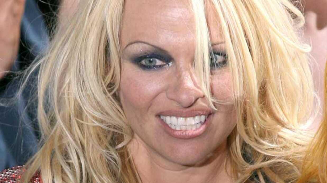 Pamela Anderson: trop sulfureuse pour les aéroports américains