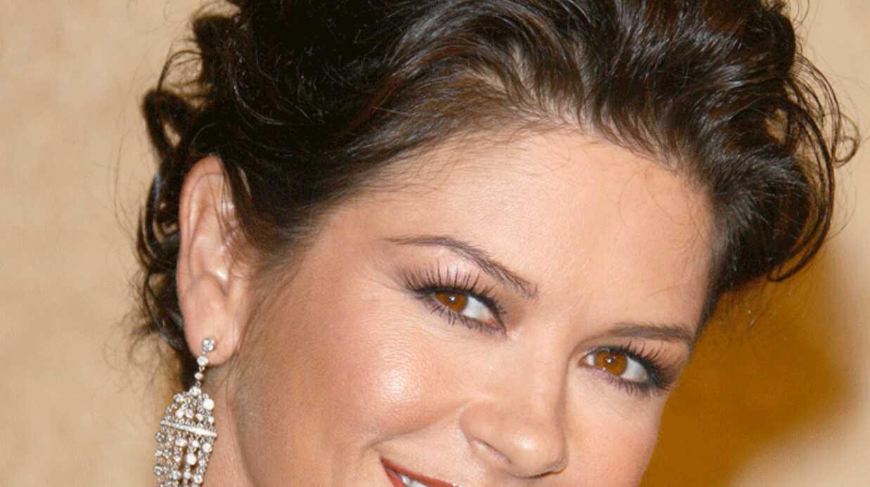 Catherine Zeta Jones jamais sans maquillage.