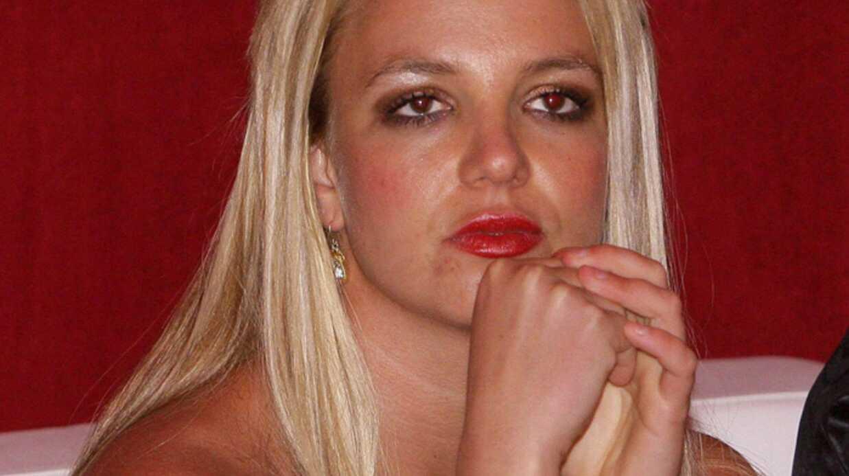Britney Spears Coupée au montage!