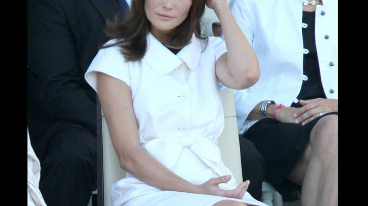 LOOK Carla Bruni-Sarkozy au défilé du 14 Juillet