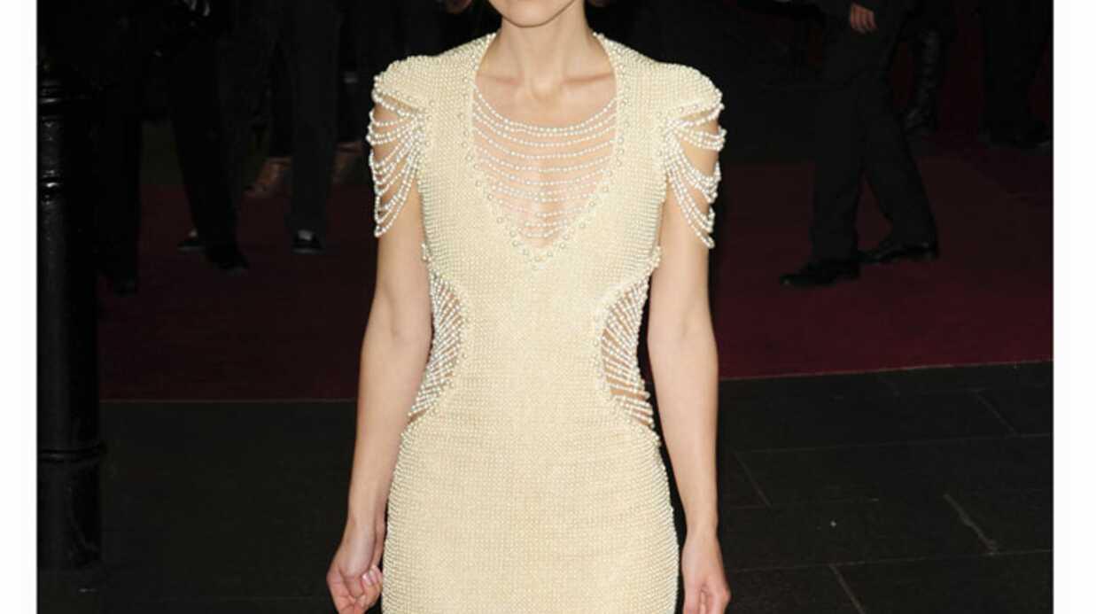 LOOK: Keira Knightley mise sur la robe perlée
