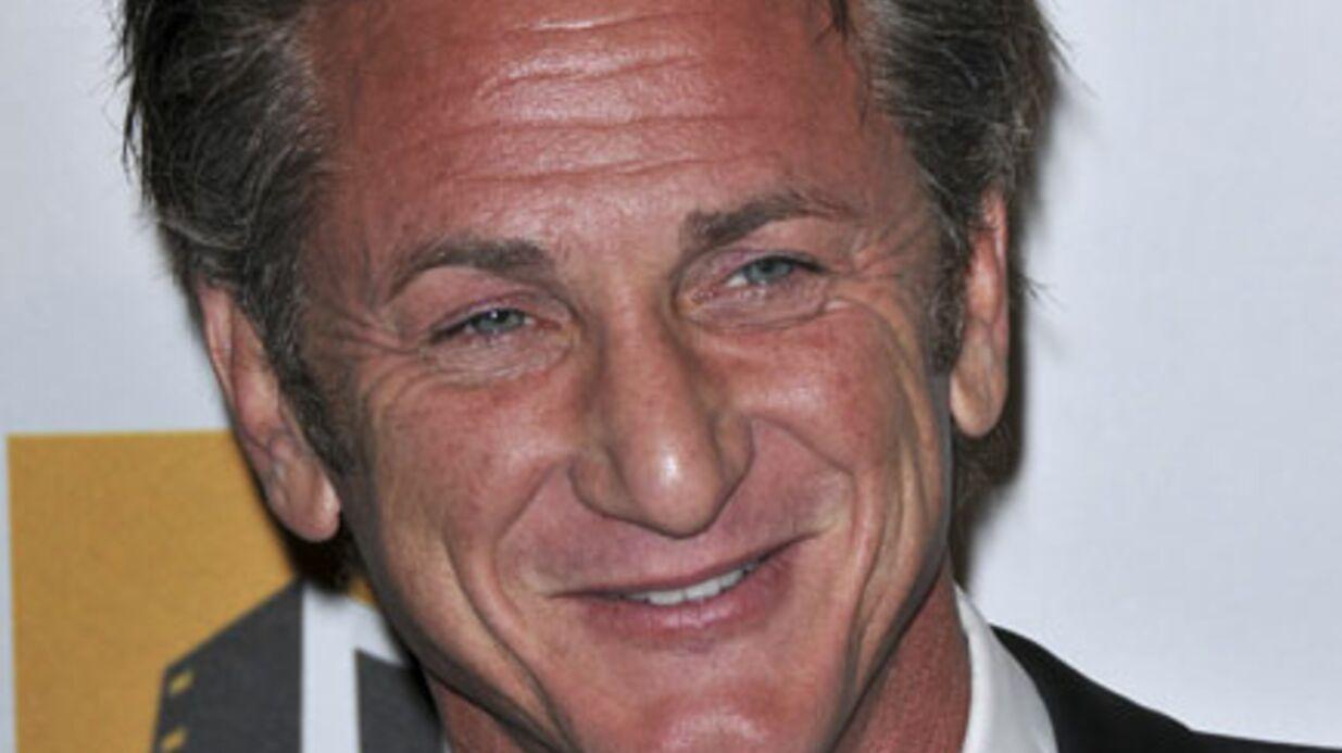 Sean Penn est en mission humanitaire en Libye