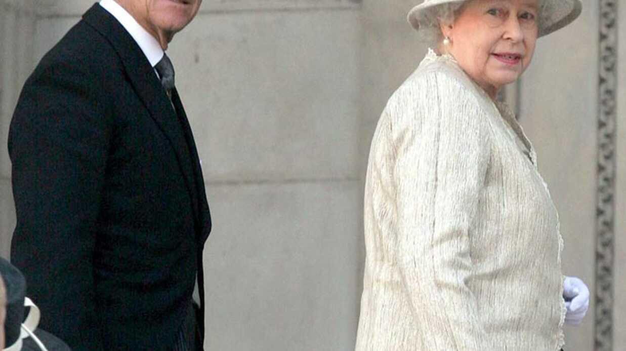 La Reine Elizabeth II annule la fête de Noël du personnel