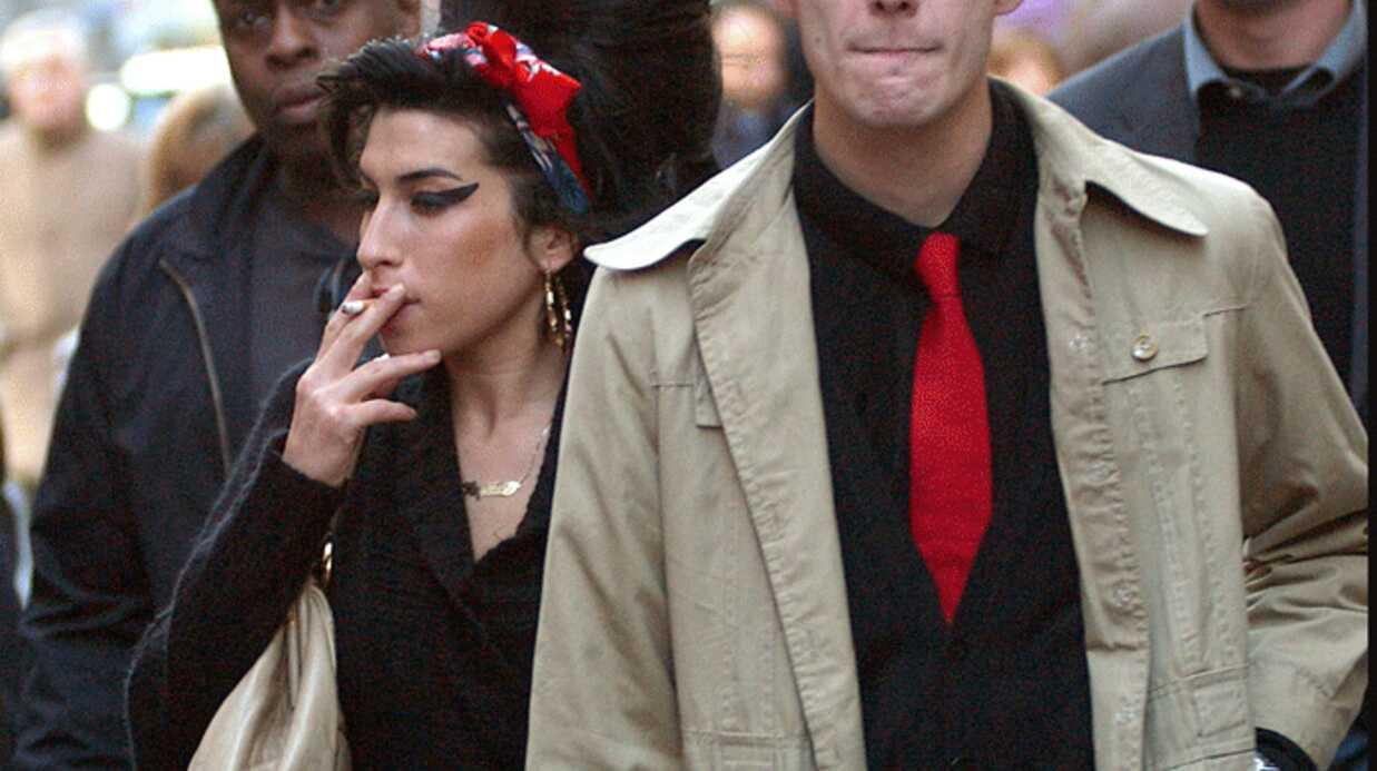 Amy Winehouse officiellement divorcée de Blake Fielder