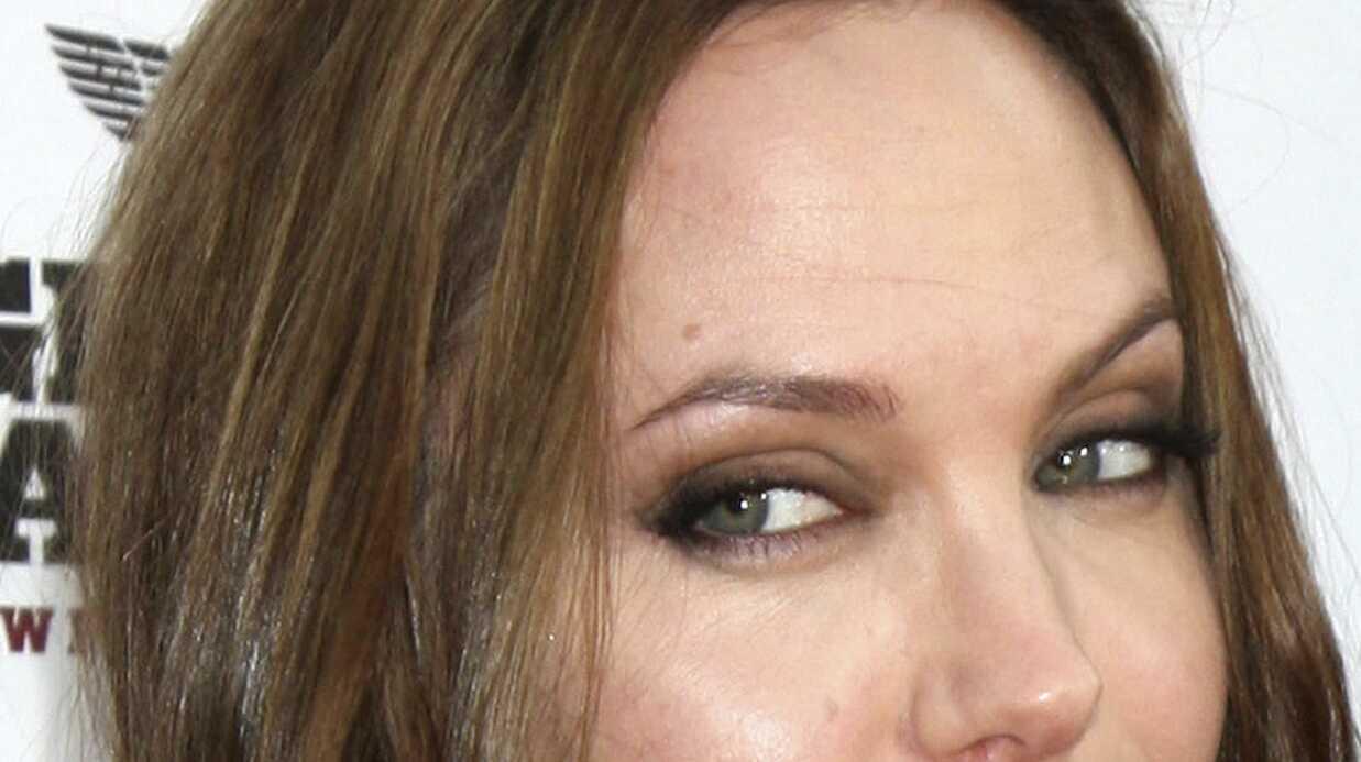 Angelina Jolie finance une école en Afghanistan