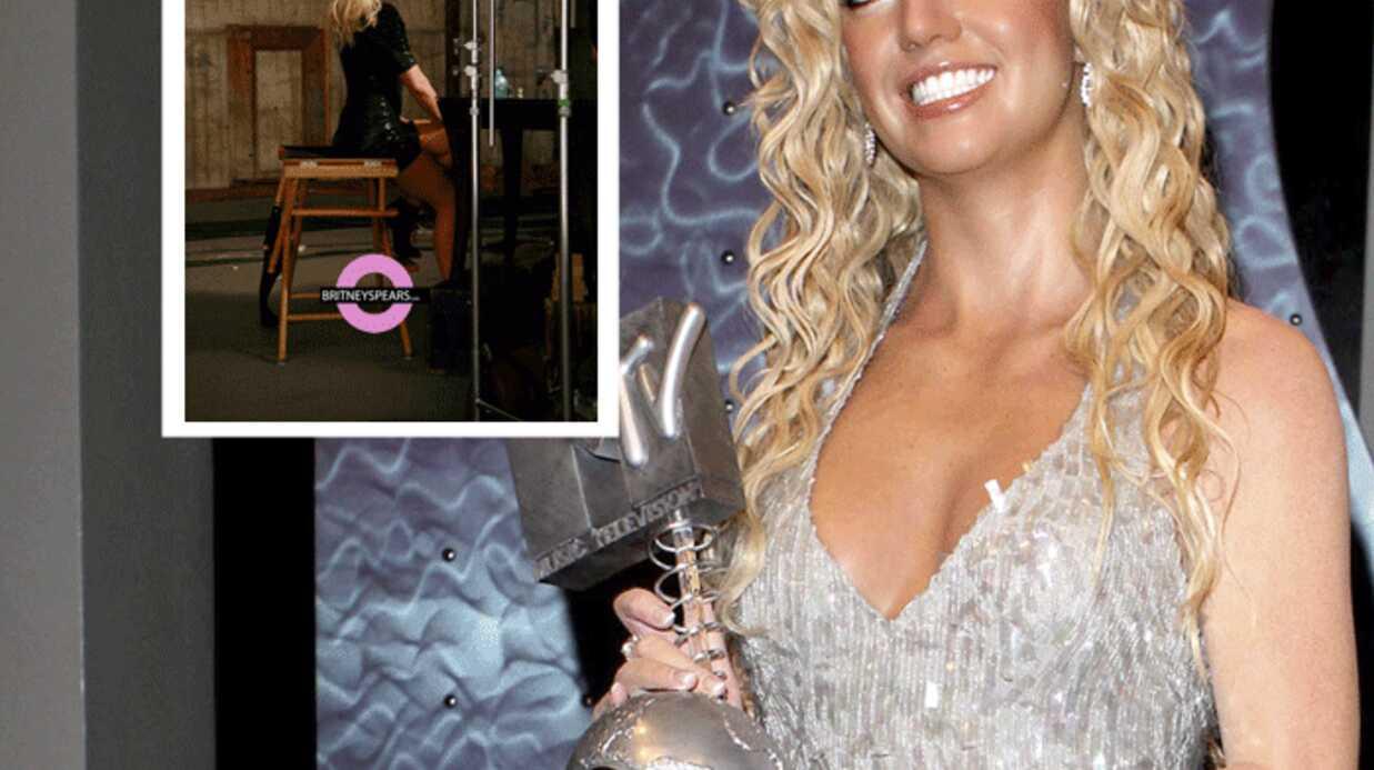 Britney Spears offre des images du clip de «3»