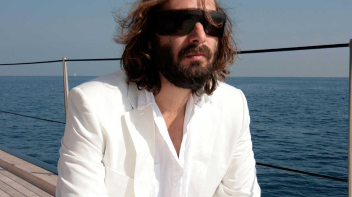 Sébastien Tellier Prêt à chanter en Français
