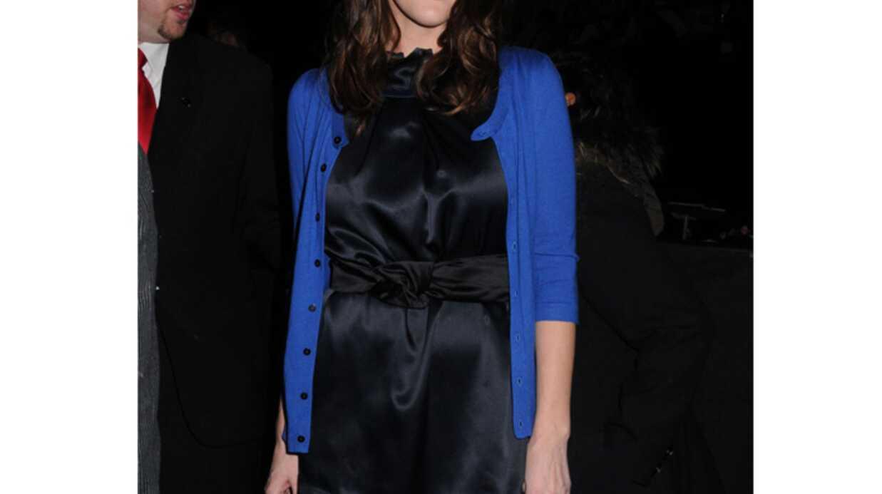 LOOK Liv Tyler fait sensation en bleu électrique à la Fashion Week