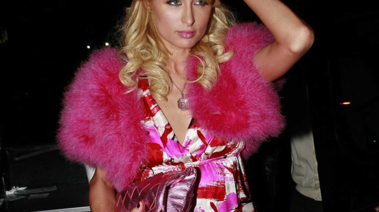 VIDEO Paris Hilton s'offre une Bentley rose pour Noël