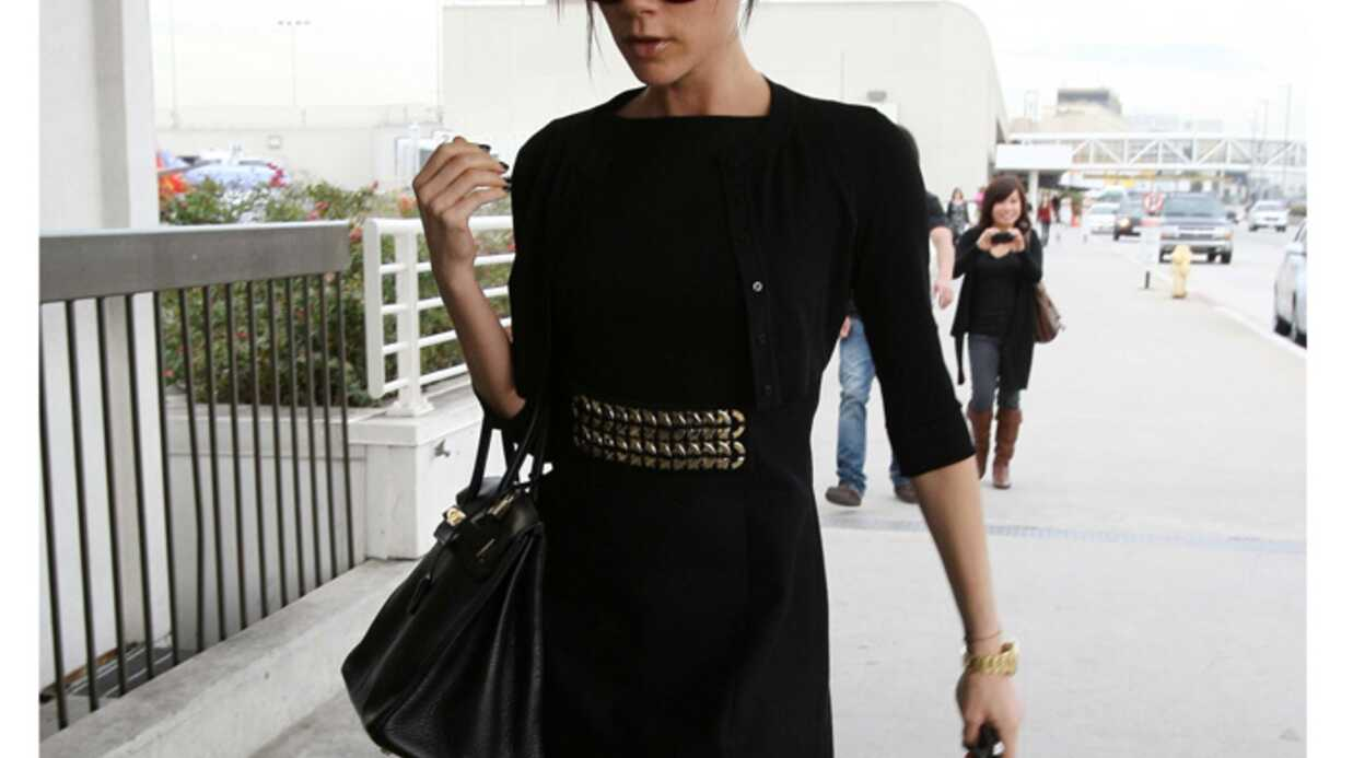 LOOK Victoria Beckham: chic en mini robe