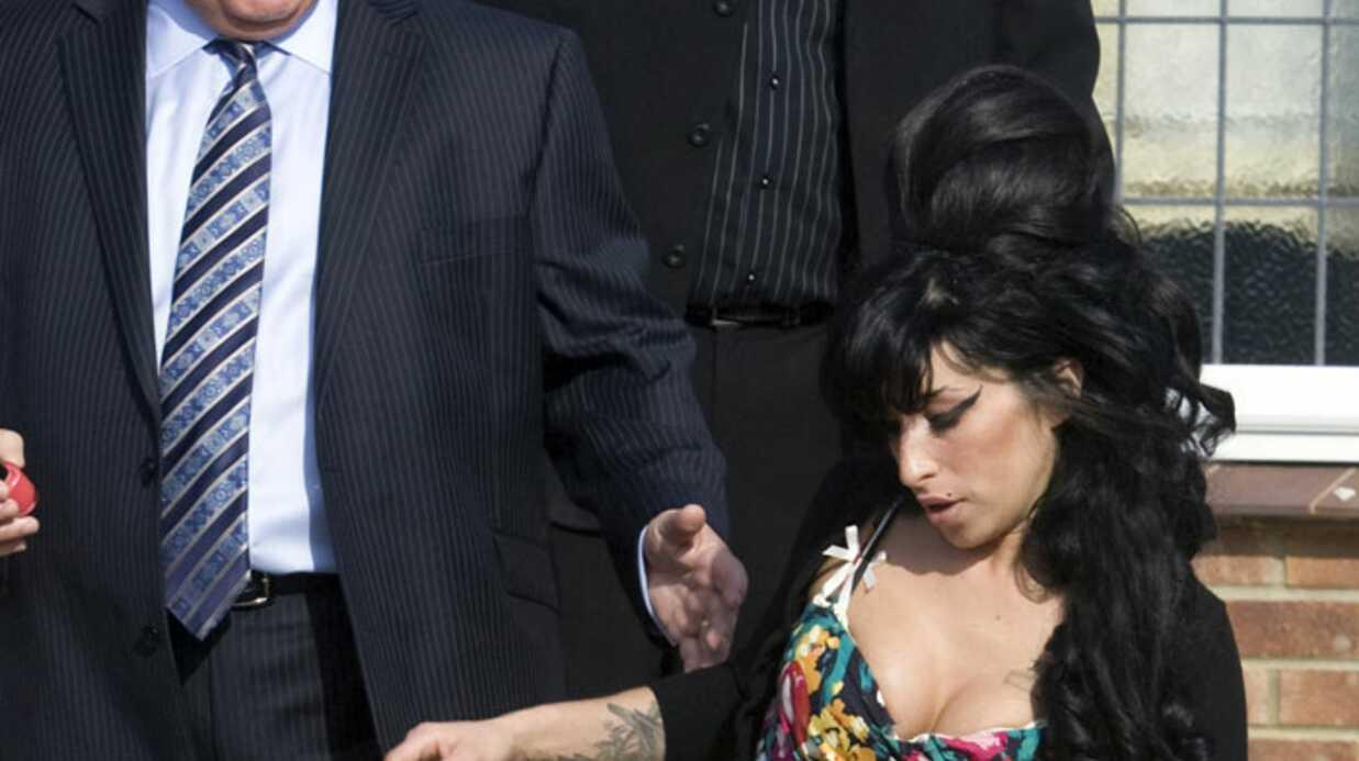 Amy Winehouse: son père la trouve stupide