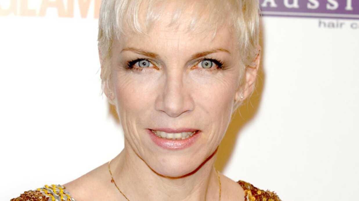 Annie Lennox a été opérée de la colonne vertébrale